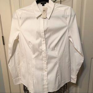 Ann Taylor Size 6 Classic White Button Down Shirt